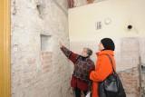Przełomowe odkrycie pod Krakowem. Tajemnicę odsłonił odpadający tynk