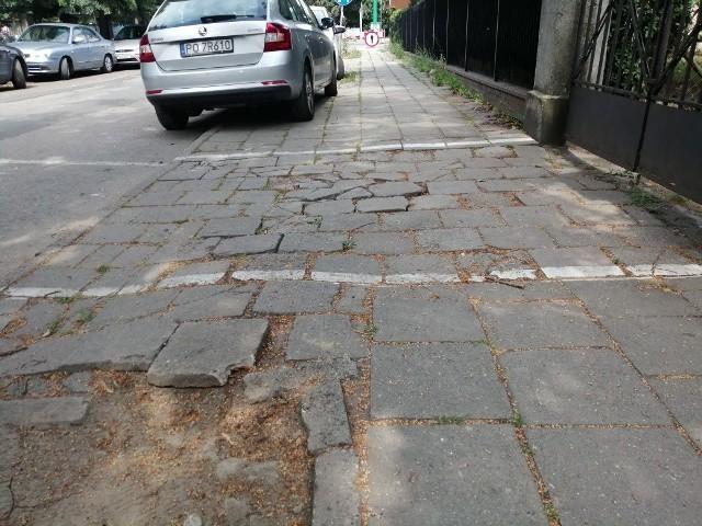 Chodnik przy ul. Iłłakowiczówny będzie wyremontowany za pieniądze ze Strefy Płatnego Parkowania