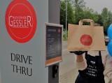 Przy katowickiej restauracji działa punkt drive thru. To Przystanek Gessler. W menu bajgle, pierogi i zestawy dnia
