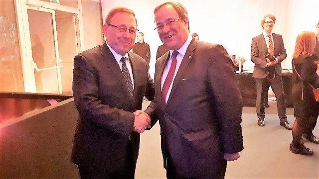 Poseł MN Ryszard Galla utrzymuje kontakty z wieloma politykami w Niemczech. Na zdjęciu z Arminem Laschetem, premierem Nadrenii Północnej Westfalii.