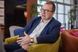 PO chce kary dla dziennikarza TVP Marka Pyzy za rozmowę z RPO Adamem Bodnarem