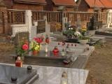 Wszystkich Świętych: mniej kwiatów i zniczy sprzedaje się przy cmentarzach [wideo]