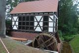 Zielona Góra.  Zobacz postępy prac przy budowie młyna wodnego w muzeum etnograficznym w Ochli