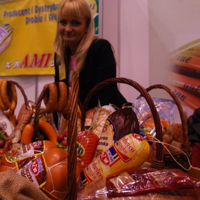 150 wystawców pokazalo swoje produkty w Okrąglaku. Lokalni handlowcy mogli z nimi zawrzec korzystne umowy.