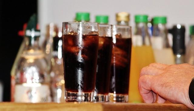 Opodatkowanie słodkich napojów i batoników to plan minimum pomysłodawców podatku od cukru. Niektórzy opowiadają się za opodatkowaniem także pozostałych słodyczy i piwa.