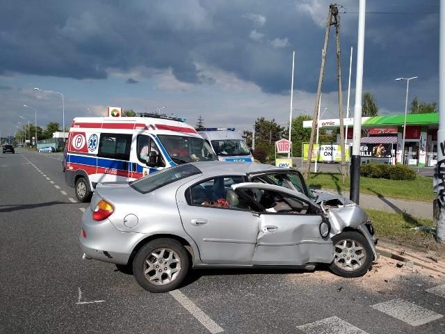 Sprawca wypadku to drogowy recydywista. Miał orzeczony zakaz prowadzenia pojazdów właśnie ze względu za zasiadanie za kierownicą po pijanemu. CZYTAJ DALEJ NA NASTĘPNYM SLAJDZIE