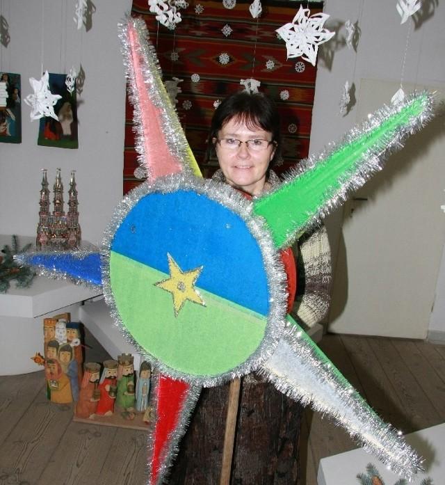 - Jednym z najnowszych eksponatów jest bożonarodzeniowa gwiazda - mówi Mirosława Jakubaszek z muzeum.