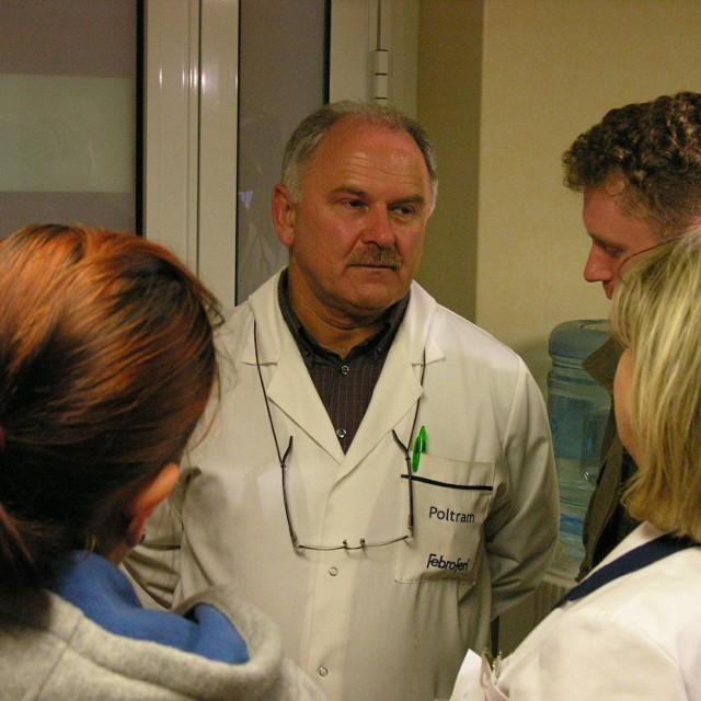 Informacja o usunięciu ze stanowiska kierownika pogotowia Andrzeja Nimsza (na zdjęciu w środku) wzburzyła nie tylko ratowników.