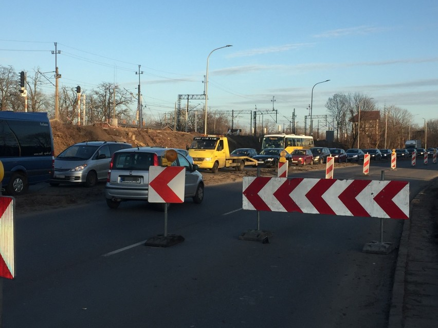 Miejski Zarząd Dróg w Opolu prosi kierowców o zachowanie szczególnej ostrożności w tym miejscu.