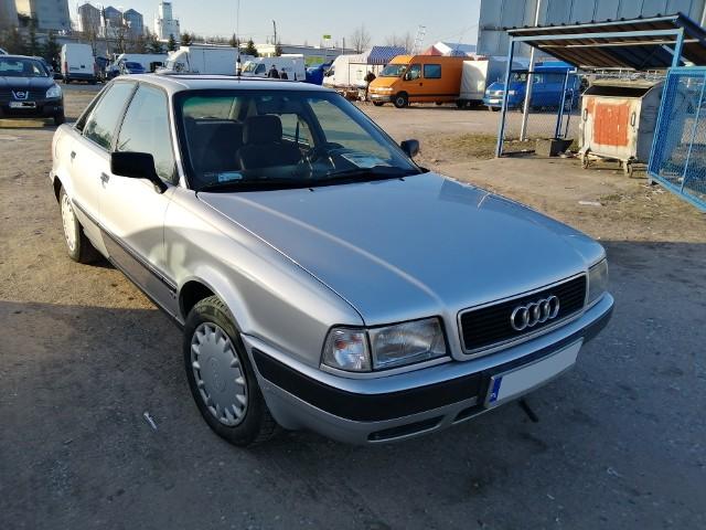 1. Audi 80. Silnik 1,9 diesel, rok produkcji 1994, cena 3500 zł.Około 500 samochodów wystawiono do sprzedaży podczas niedzielnej giełdy w Rzeszowie. Najciekawsze z nich obejrzyj w naszej galerii.