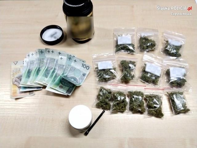 Częstochowska policja przejęła duże ilości narkotykówZobacz kolejne zdjęcia. Przesuwaj zdjęcia w prawo - naciśnij strzałkę lub przycisk NASTĘPNE