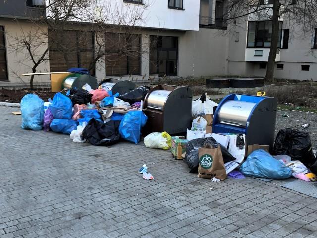 Śmieci w Opolu. Podziemne kontenery w podwórkach Krakowskiej oraz Żwirki i Wigury