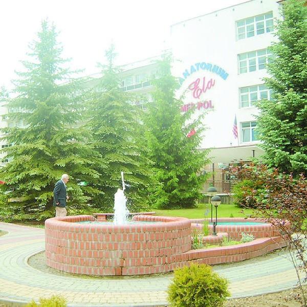 """""""Ela"""" - jedno z pięciu sanatoriów w Polańczyku."""