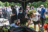 Pogrzeb Aleksandra Gołębiowskiego - jeden z założycieli kabaretu Tey spoczął na cmentarzu w Jasinie