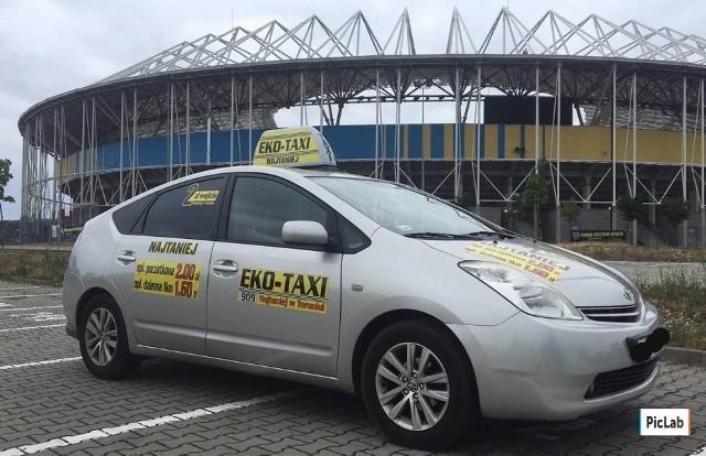 Miłosz K. jest taksówkarzem z 35-letnim stażem. Kilka lat temu założył korporację Eko-Taxi w Toruniu.