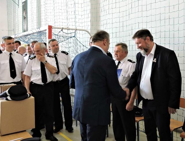 Reprezentacja gminy Kowalewo uczestniczył w uroczystym przekazaniu sprzętu strażackiego, które odbyło się w Osieku w powiecie brodnickim
