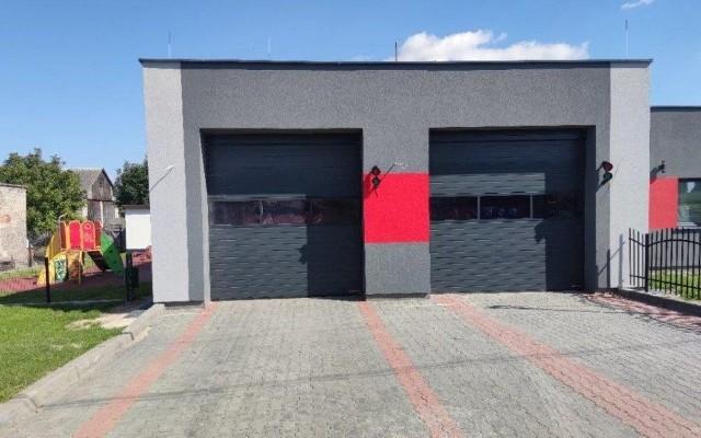 W ramach wykonanych prac, wymieniono między innymi bramy garażowe.