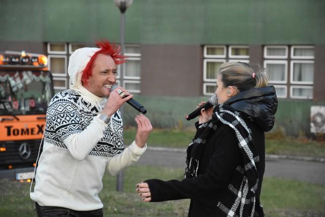 Michał Wiśniewski w Rybniku śpiewa dla szpitala na zaproszenie KS ROW Rybnik