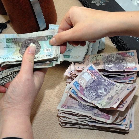 Wystarczy, że nie zapłacisz za prąd albo czynszu spółdzielni mieszkaniowej a możesz trafić do Krajowego Rejestru Długów.