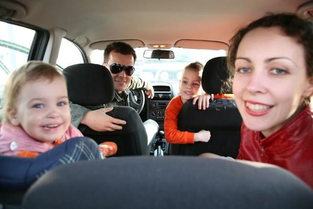 Bon turystyczny można wykorzystać na przykład na wspólny weekend bądź opłacić nim zimowisko dzieci