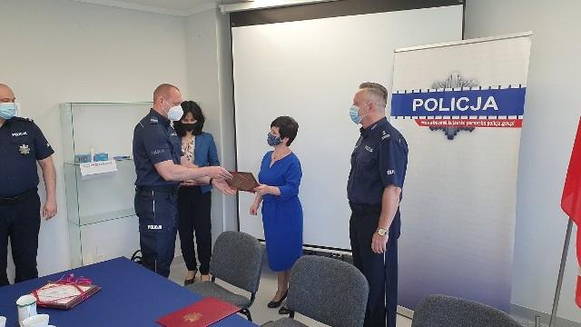 17 czerwca posłanka Joanna Borowiak odwiedziła Komendę Miejską Policji we Włocławku. Przekazała podziękowania od Ministra Spraw Wewnętrznych i Administracji