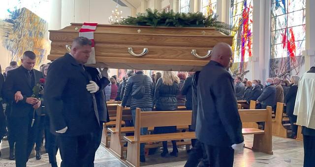 Pogrzeb byłego piłkarza m.in. małopolskich klubów Jacka Felscha w rodzinnych Kobiernicach