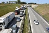 Przekładają linię energetyczną. Potężny korek na A4 do Wrocławia