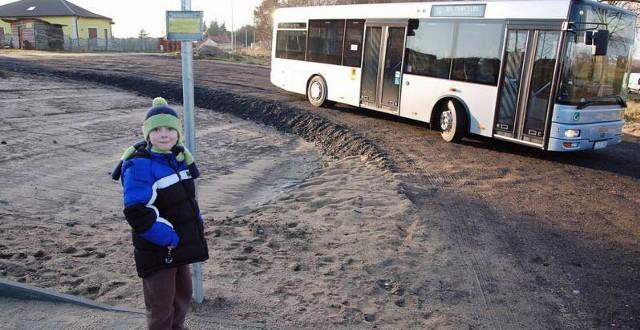 Co roku autobusy w Szczecinku przewożą około 3,5miliona pasażerów. Średnio z jednego kursu autobusem korzysta 26 osób