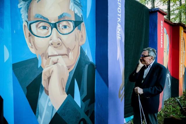 Marian Turki, były więzień Auschwitz i ocalonego z Holokaustu. Wybitny historyk, dziennikarz i działacz społeczny, miał spotkanie w MDSM i odsłonił swój mural.