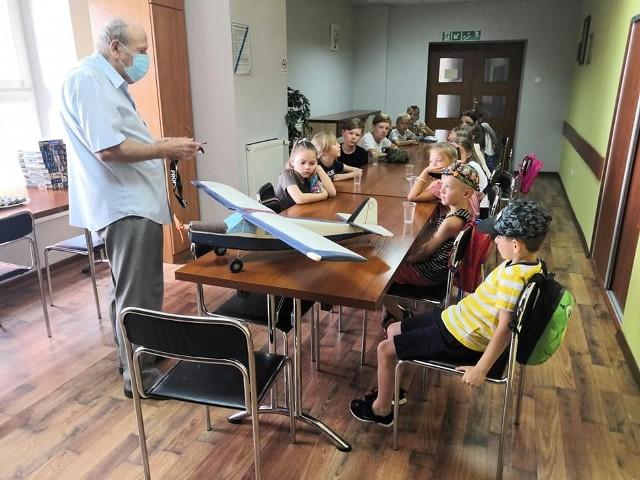 Dzieci wzięły udział m.in. w warsztatach modelarskich