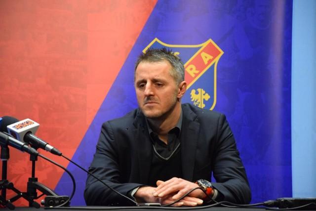 Decyzja o zwolnieniu z obowiązków trenerskich Dietmara Brehmera to szok dla sympatyków Odry Opole.