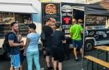 Zlot food trucków w Bydgoszczy potrwa do 12 września. Tak było na otwarciu [zdjęcia]