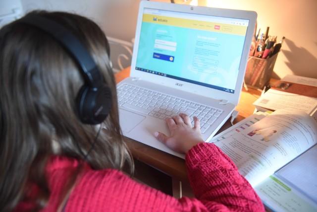Wnioski o dofinansowanie do komputera dla dziecka z rodziny rolniczej można składać tylko do 30 grudnia 2020 roku