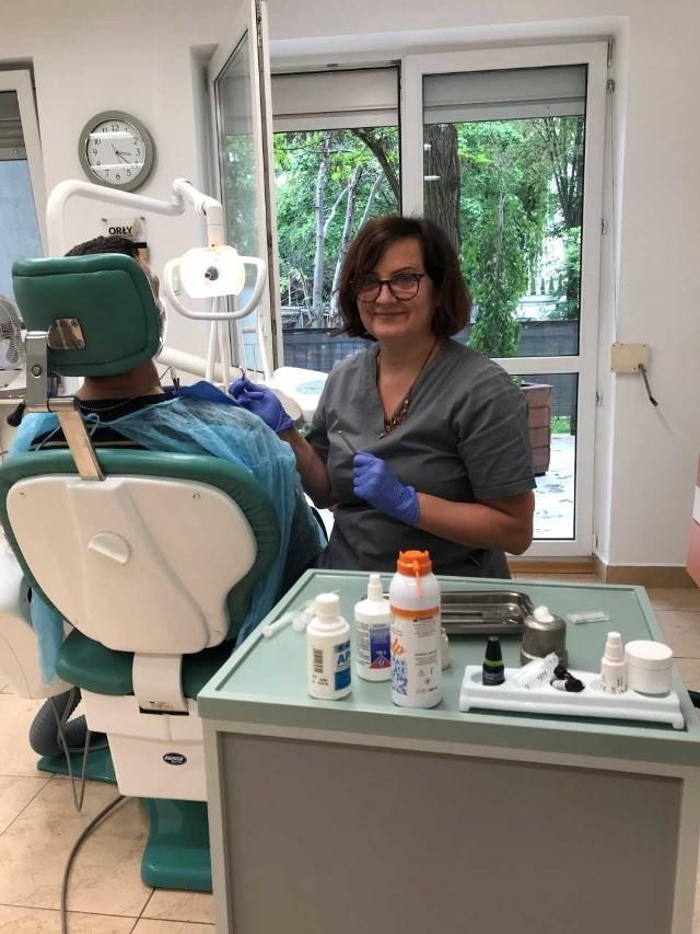 Sama boję się wizyt u dentysty. Więc wiem, co mogą przeżywać moi pacjenci. Dlatego staram się, by wizyty u mnie przynosiły jak najmniej stresu - uśmiecha się Beata Mackiewicz