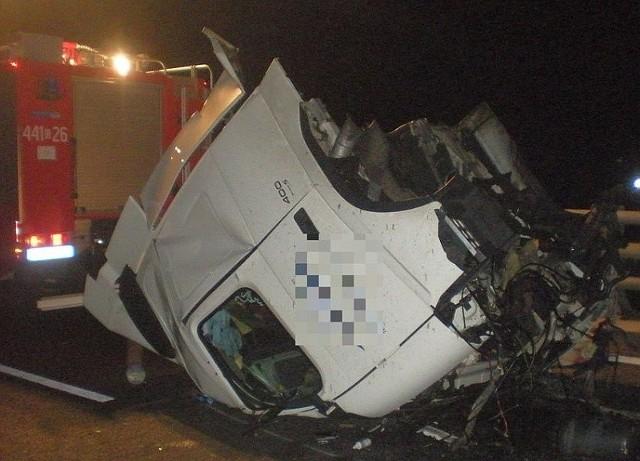 Do wypadku doszło około północy na pasie w kierunku Wrocławia