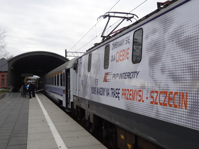 Od jutra do środy 5 listopada pociągi PKP IC mają być dłuższe  niż zwykle