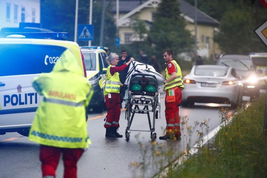 Akcja ratowników po strzelaninie na przedmieściach Oslo