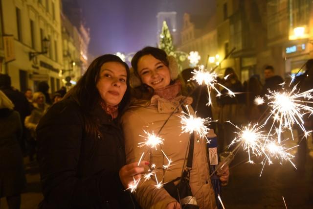 Przygotowaliśmy dla Was mnóstwo zabawnych i ciekawych życzeń noworocznych wierszyków na Nowy Rok oraz zabawnych noworocznych SMS.