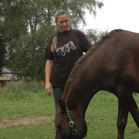- Zajęcia z końmi poprawiały stan zdrowia i samopoczucie dzieciaków. Szkoda, że ich już nie będzie - mówi Magdalena Makowska - Hyżorek, która opiekuje się końmi.