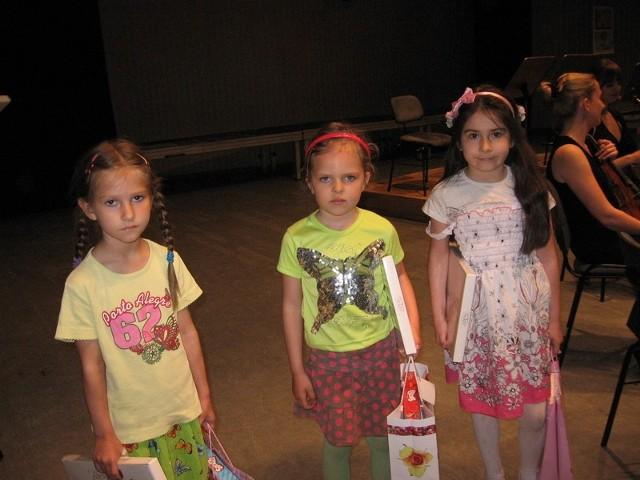 Były także nagrody publiczności:  I dla Niny Derlety z przedszkola numer 4, II - dla Basi Kopyckiej z przedszkola numer 8 i III - dla Weroniki Stanik z przedszkola numer 4.