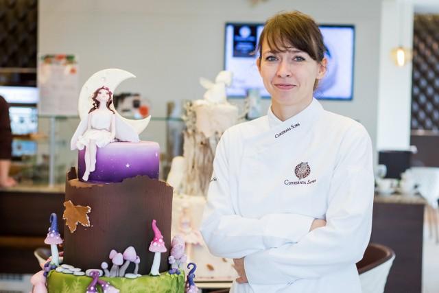 """Jedna z atrakcji """"Mikołajek z MOB"""" będą warsztaty online z Jowitą Woszczyńską, mistrzynią świata w cukiernictwie."""