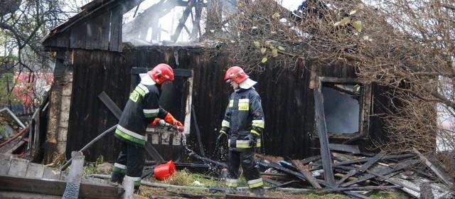 Strażacy ugasili ogień. Ale w środku domu zginął mężczyzna.