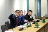Sejm: Burzliwe i całonocne posiedzenie komisji ws. ustawy dyscyplinującej sędziów. W piątek ustawa ma zostać przegłosowana