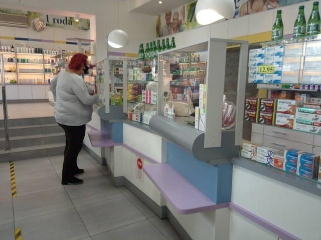 Które apteki w województwie podlaskim będą szczepić przeciwko COVID-19? Aby zobaczyć, kliknij w strzałkę!