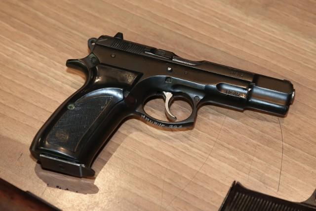 Nie wiadomo skąd pochodziła skonfiskowana broń