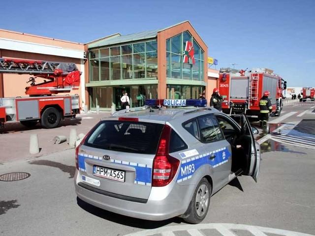 Z powodu pożaru CH Auchan Produkcyjna musiało być ewakuowane