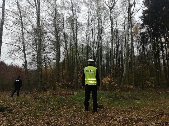 W lesie, na terenie gminy Nowe, zgubiła się pięcioosobowa rodzina. Policjanci i Straż Leśna wyruszyli na poszukiwania.