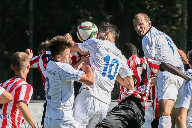 Unia Tarnów i Cracovia II rywalizowały w III lidze w sezonie 2015/2016. Teraz zagra na tym szczeblu tylko jedna z tych drużyn