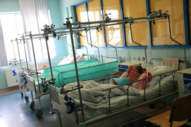 Na oddziale ortopedii w szpitalu dziecięcym w Toruniu od kilku miesięcy brakuje ortopedów