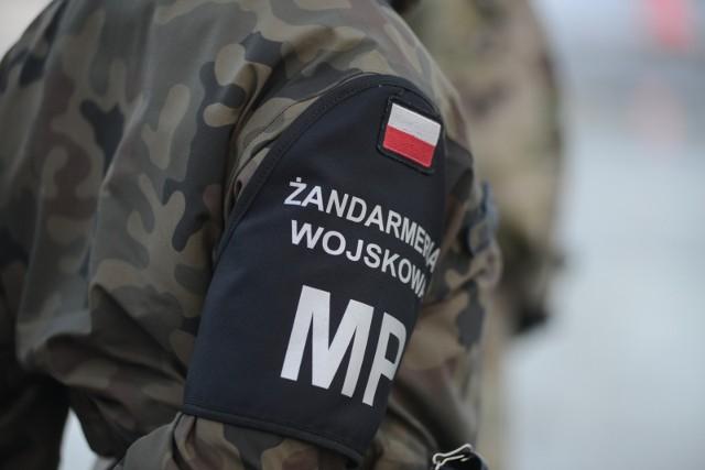 Oficerowie Wojska Polskiego zatrzymani przez CBA i Żandarmerię. Sprzedawali informacje za łapówki